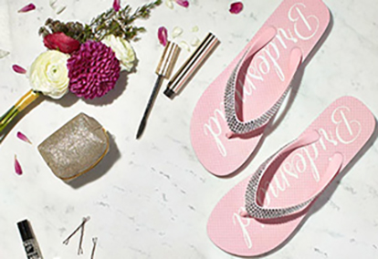 Flip flops, make up, accessories and more to complete your wedding day