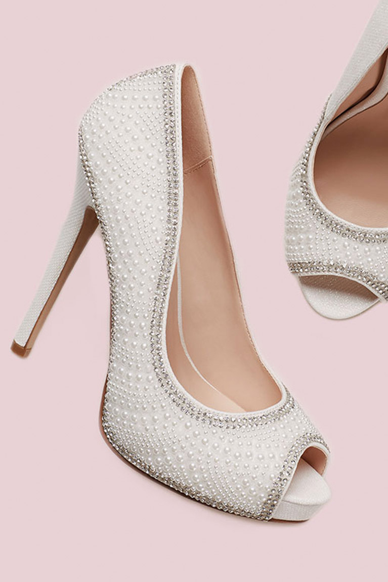 Shoes style inspiration tips trends 2018 davids bridal 5 shoes every bride should have izmirmasajfo