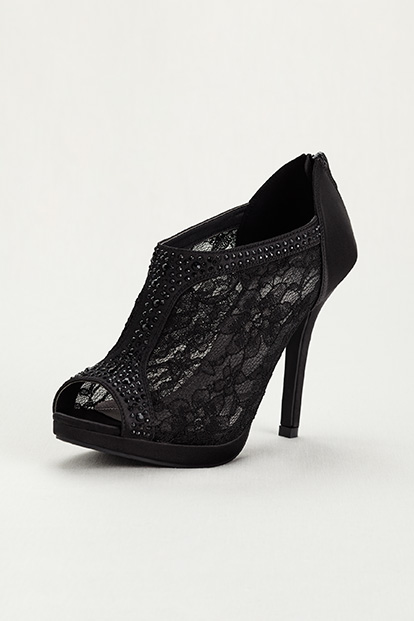 Black Lace Peep Toe Wide-Width Shoes