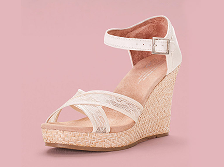 One ivory wedge shoe