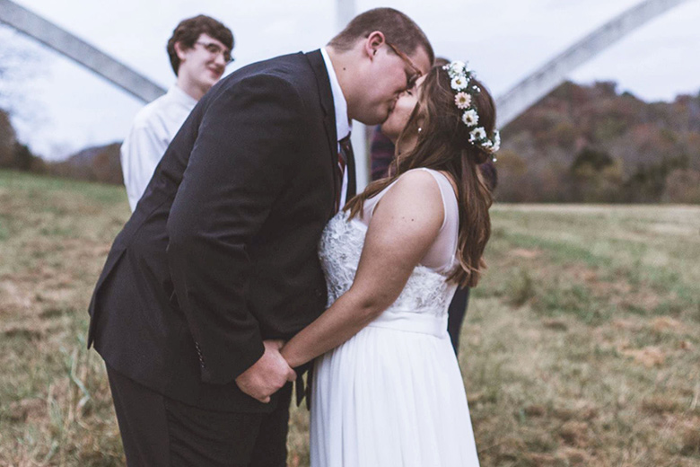 Romantic Elopement in Tennessee | Newlyweds Kissing at the