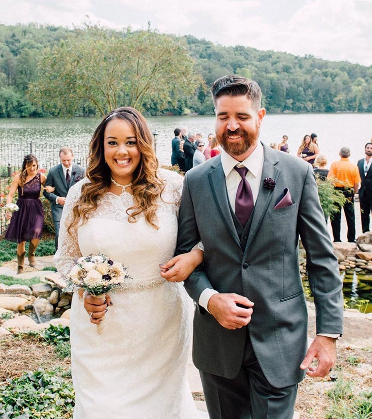 Scenic Wedding in Tennessee | Newlyweds walking down the aisle