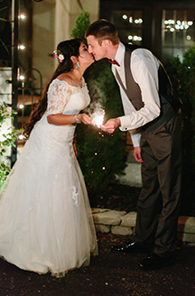 Romantic Fall Wedding | Newlyweds kissing