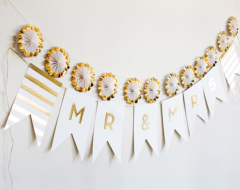 White and Gold Mr & Mrs Banner Bridal Shower Decoration