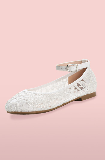 Lace flower girl shoe with ankle strap