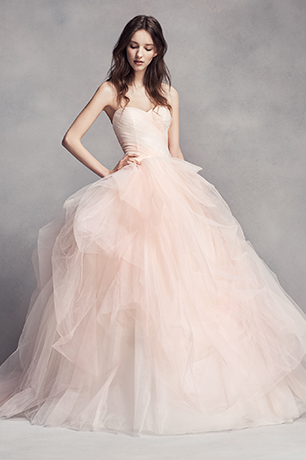 Bride in a pink Vera Wang wedding dress
