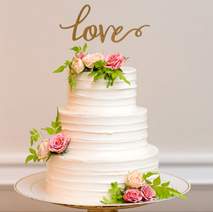 Cake with Topper | David's Bridal