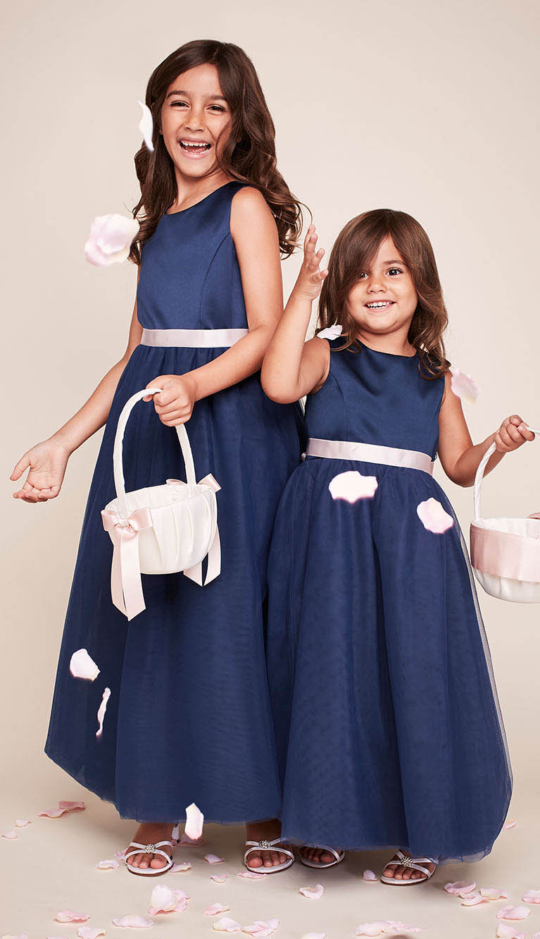 938900322 Flower Girl Dresses in Various Colors & Styles | David's Bridal