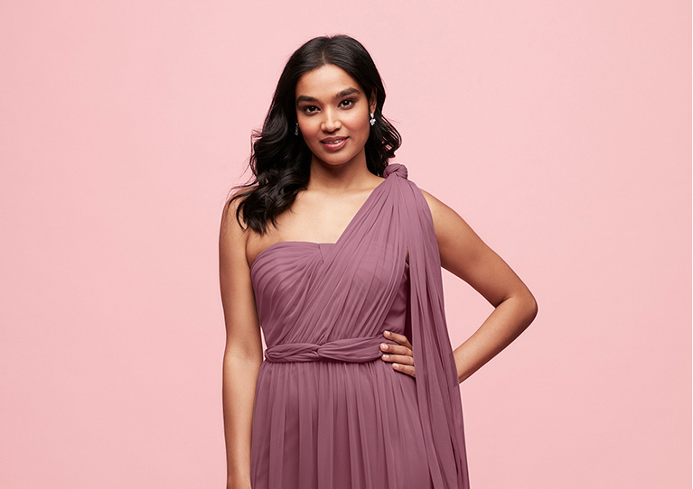 Bridesmaid in one shoulder convertible dress ... 9edf1fb7ca4f