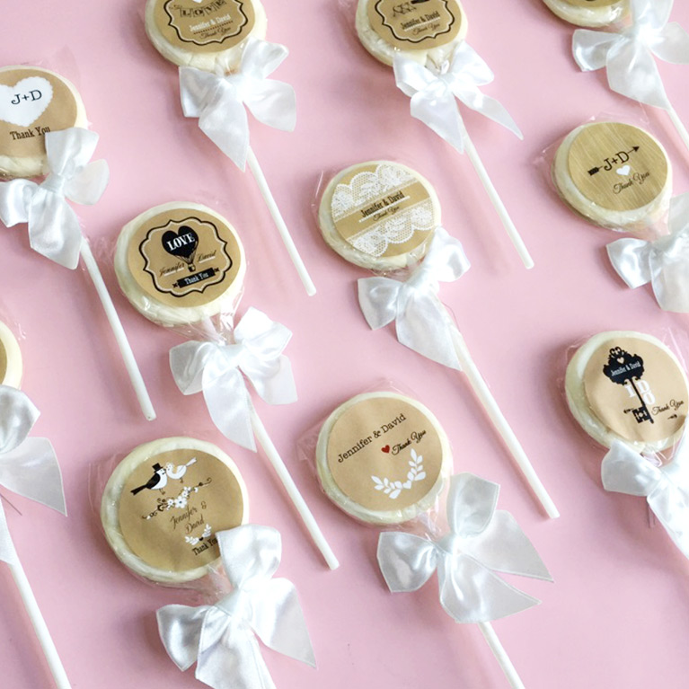 Personalized Wedding Lollipop Favors With Bows