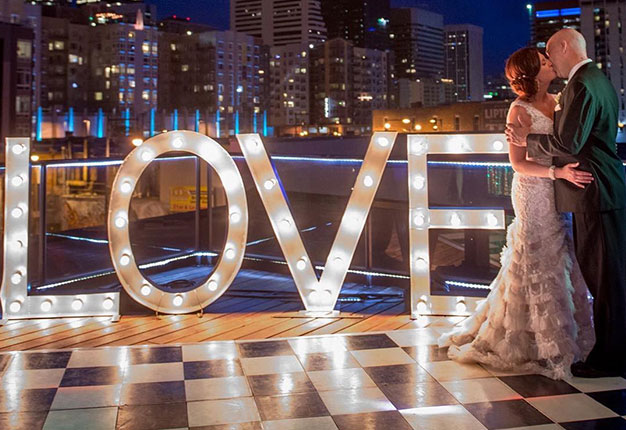 Modern Wedding Themes And Glam Ideas