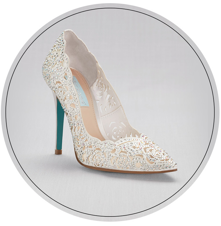 Closed toe lace wedding shoes