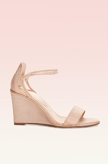 Chic Tan Wedge Sandals