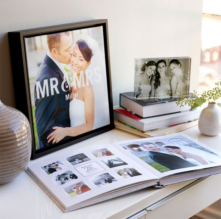Options for a bride and groom to use their pictures in memorable ways
